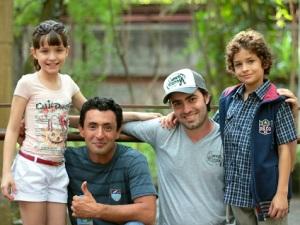 Larissa Manoela e Guilherme Seta de Carrossel, participam de clipe; Confiram o vídeo